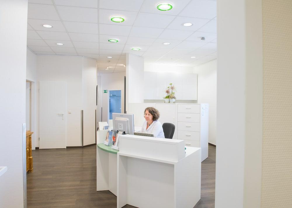 holstentor-privatklinik plastische chirurgie wartezimmer