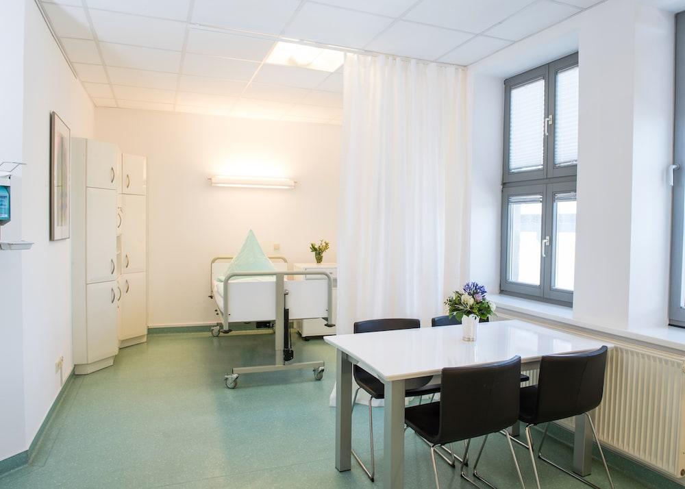 holstentor-privatklinik plastische chirurgie zimmer 2